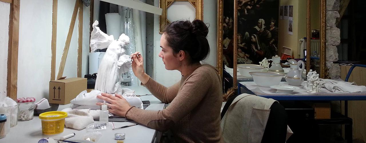 Restauration d'une sculpture en porcelaine de Sèvres – La Danseuse