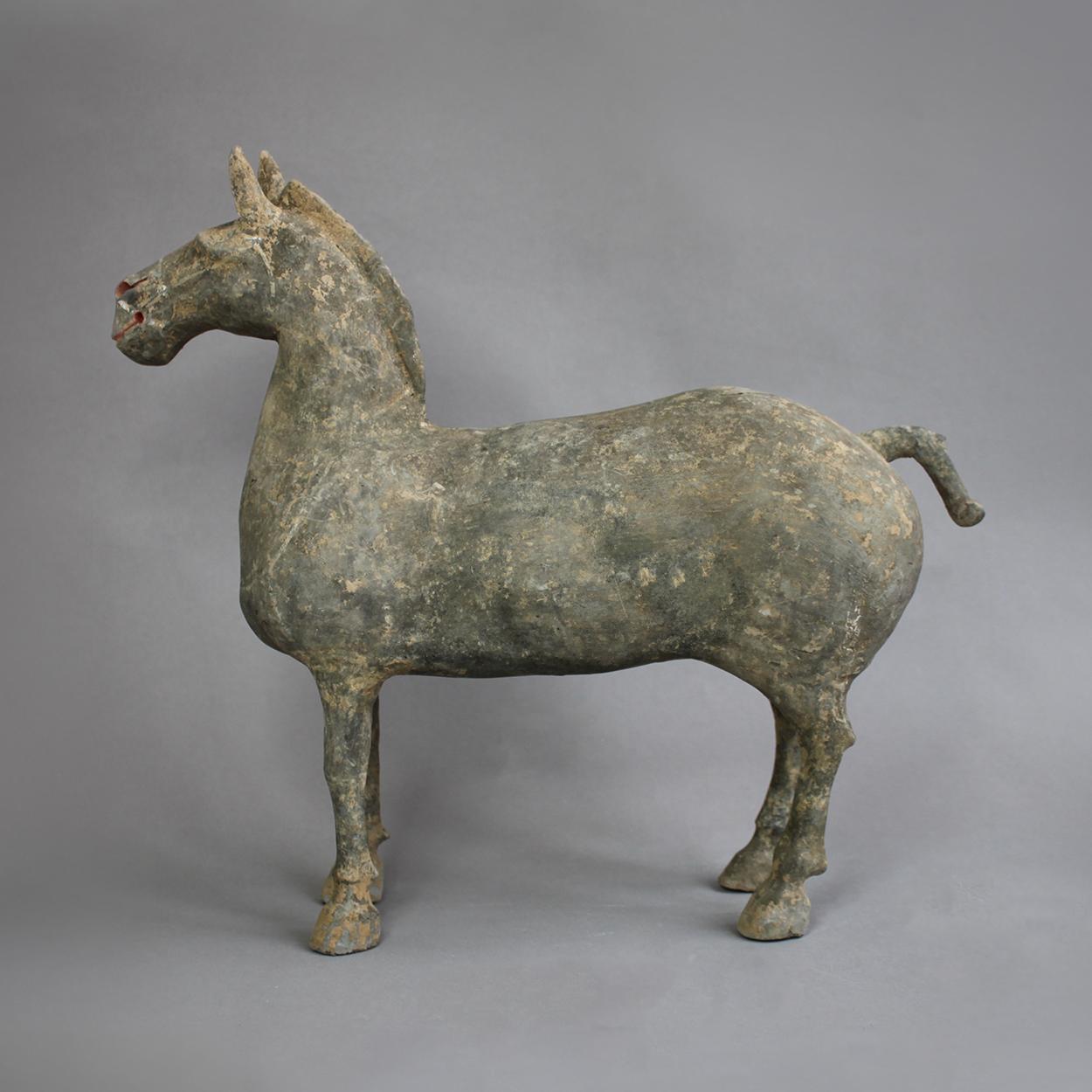 Restauration d'un cheval en terre cuite