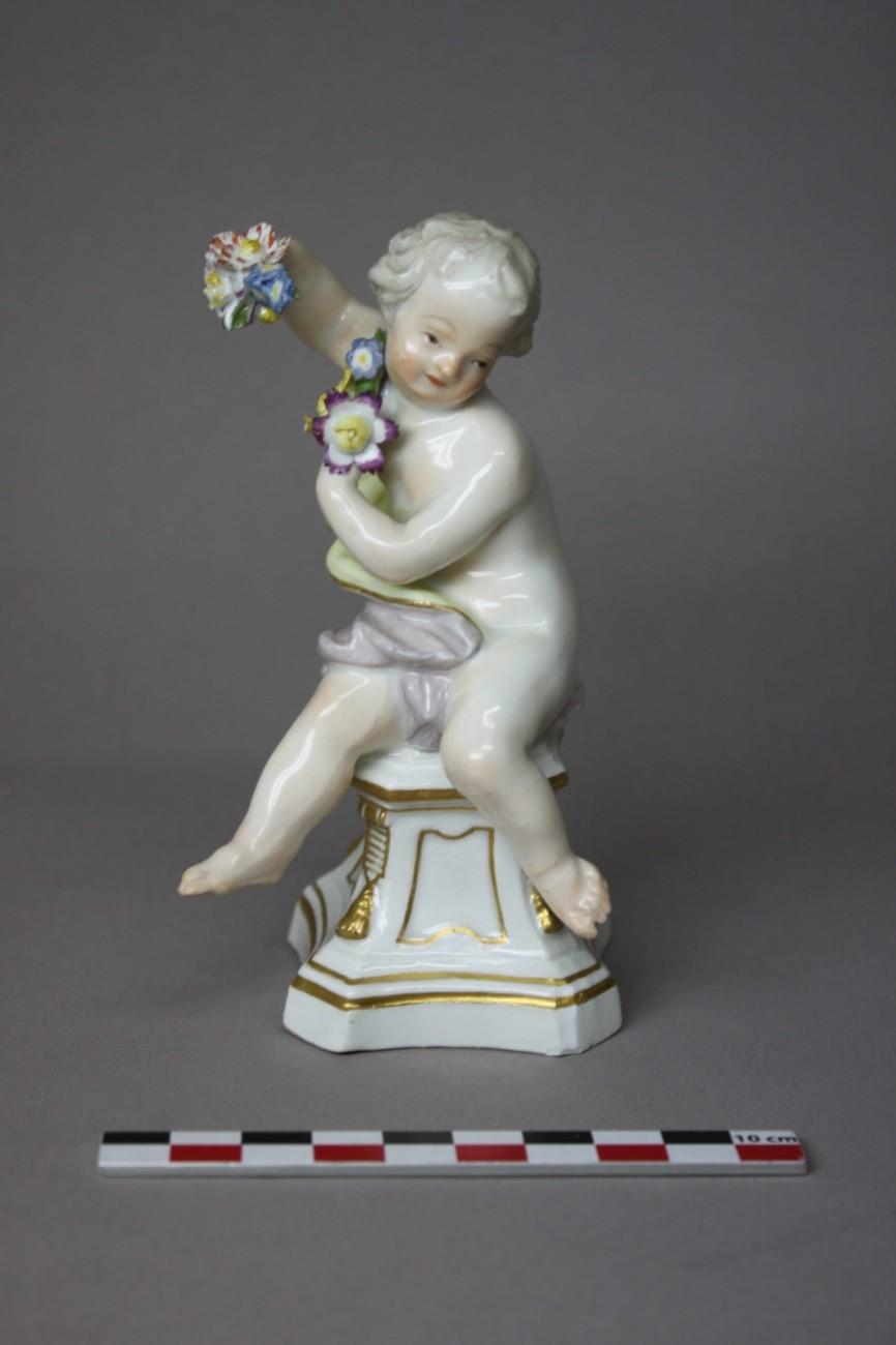 Restauration d'une figurine de l'Ete