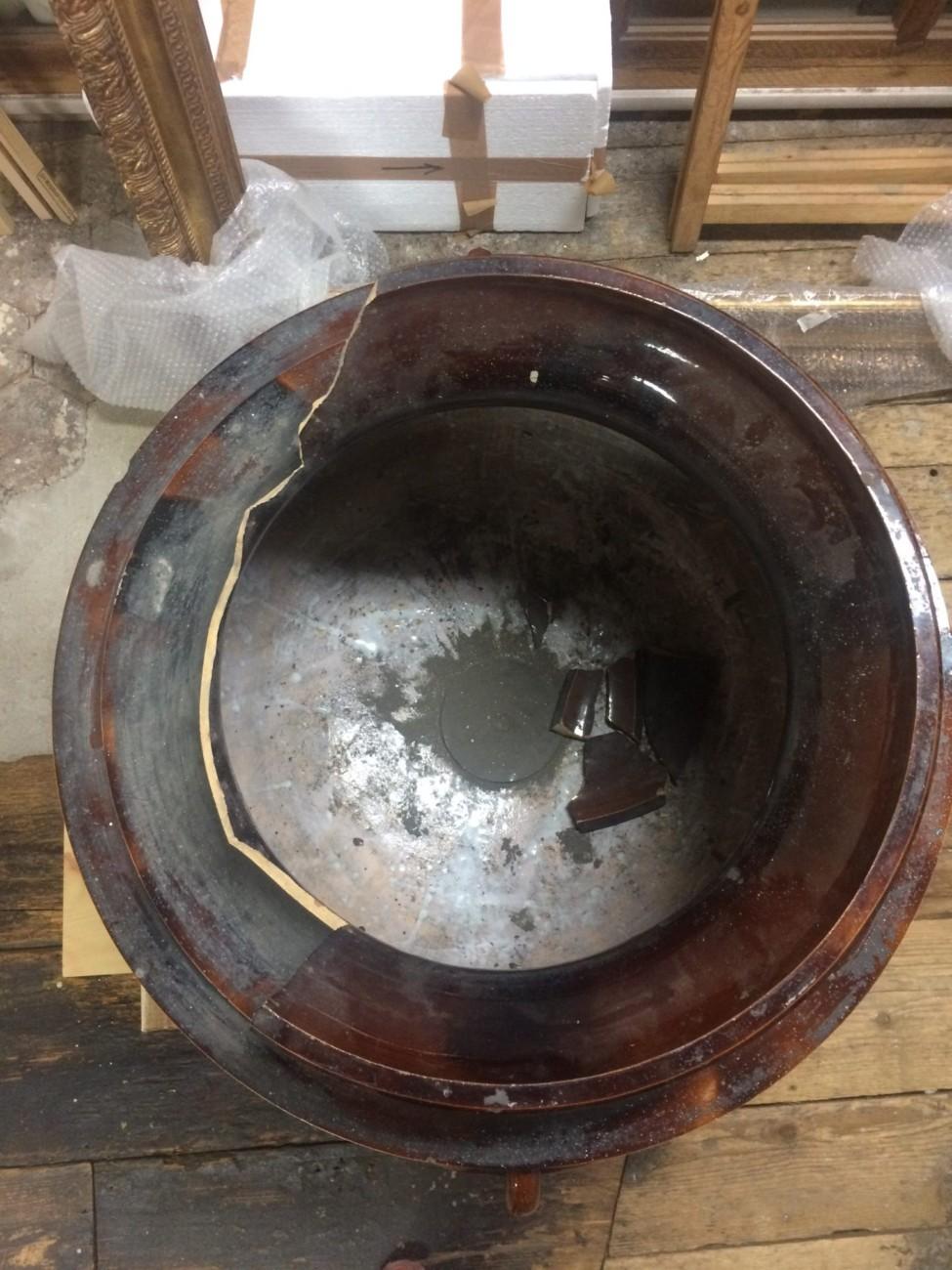 Restauration d'un potiche monumentale en grès émaillé