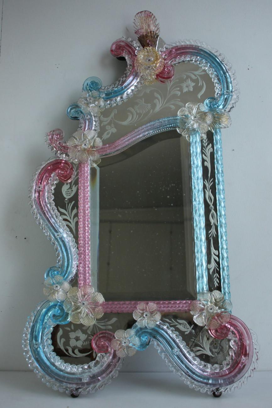Restauration-conservation d'un miroir de Murano