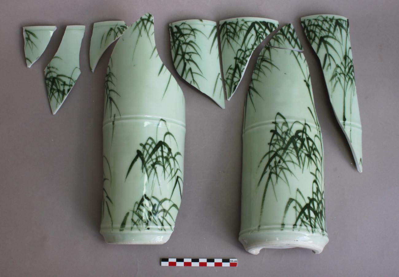 Restauration d'un vase en porcelaine