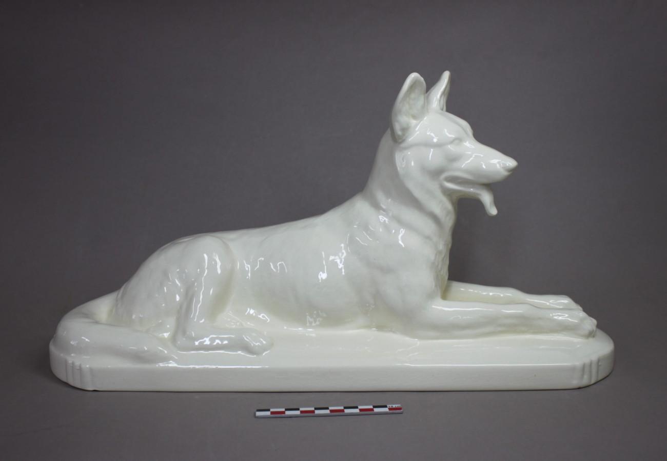 Restauration d'un chien en faïence ancienne de Sarreguemines