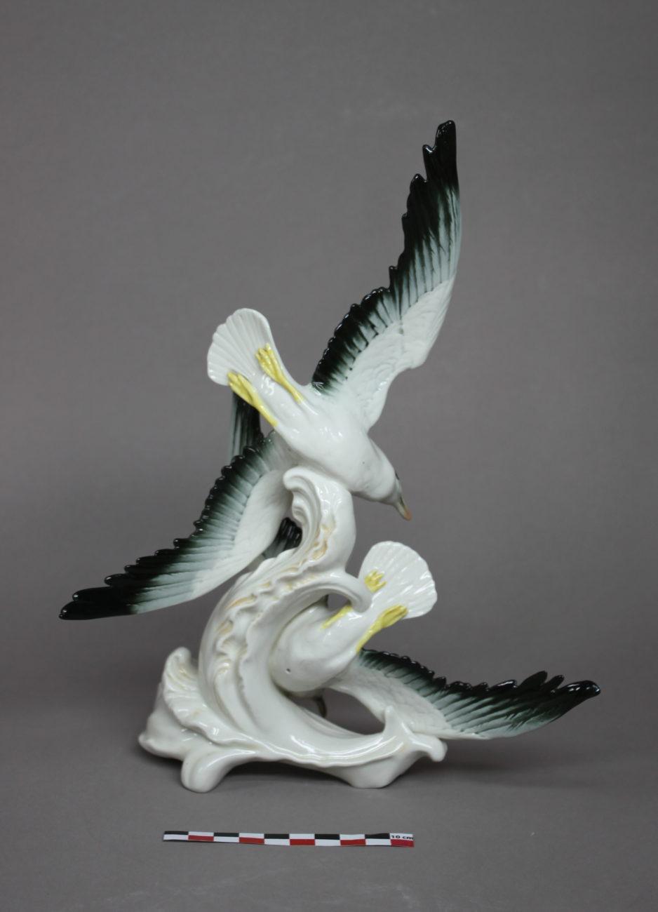Restauration d'une figurine de mouettes en porcelaine allemande de la Manufacture Karl ENS, Saxe.