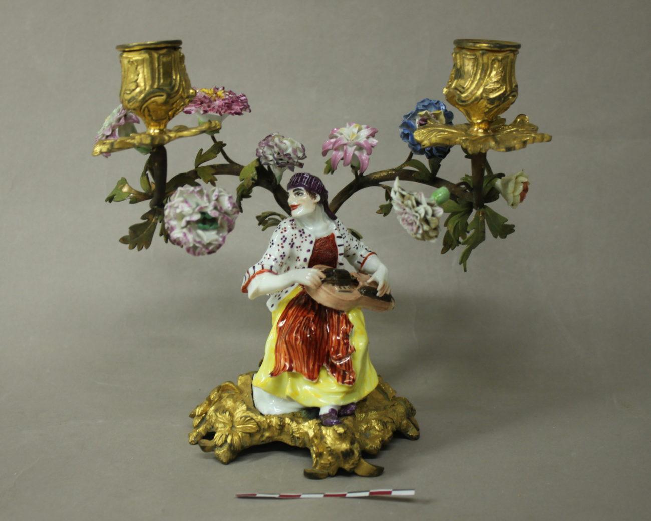 Restauration d'un chandelier en porcelaine de Meissen et bronzes dorés