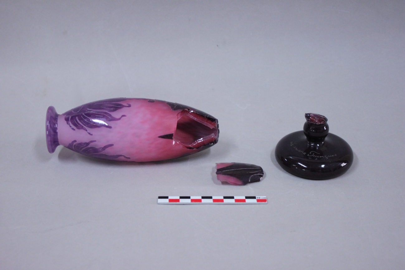 Restauration d'un vase au Dahlias en verre Le Verre Français