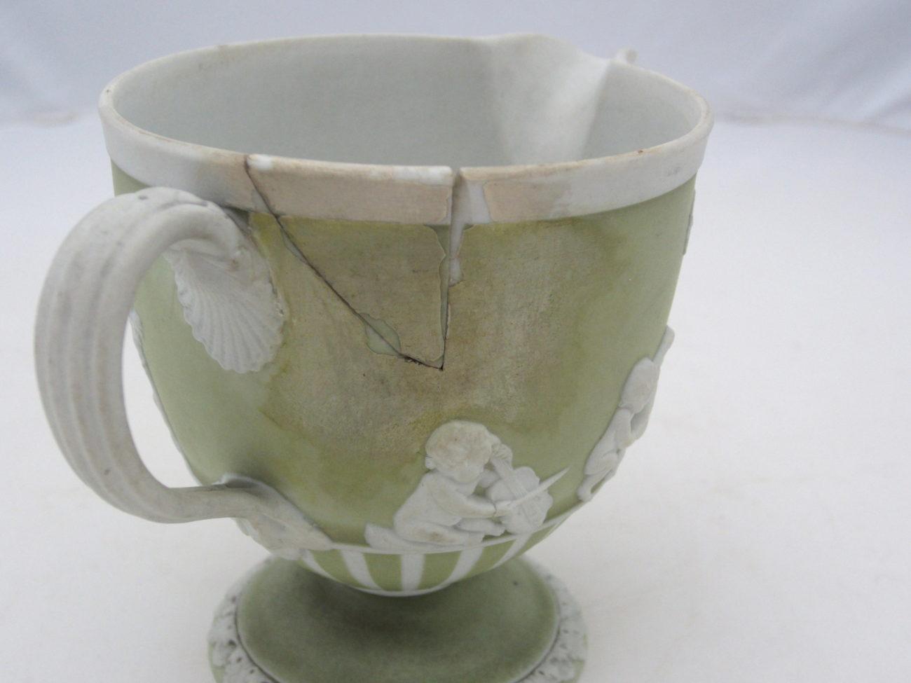 Restauration d'un pot à lait, Wedgwood, fin 18ème siècle
