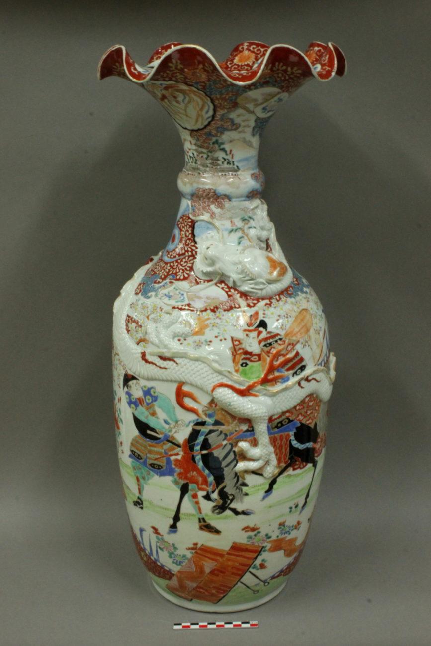 Restauration d'un vase au Dragon en porcelaine de Chine