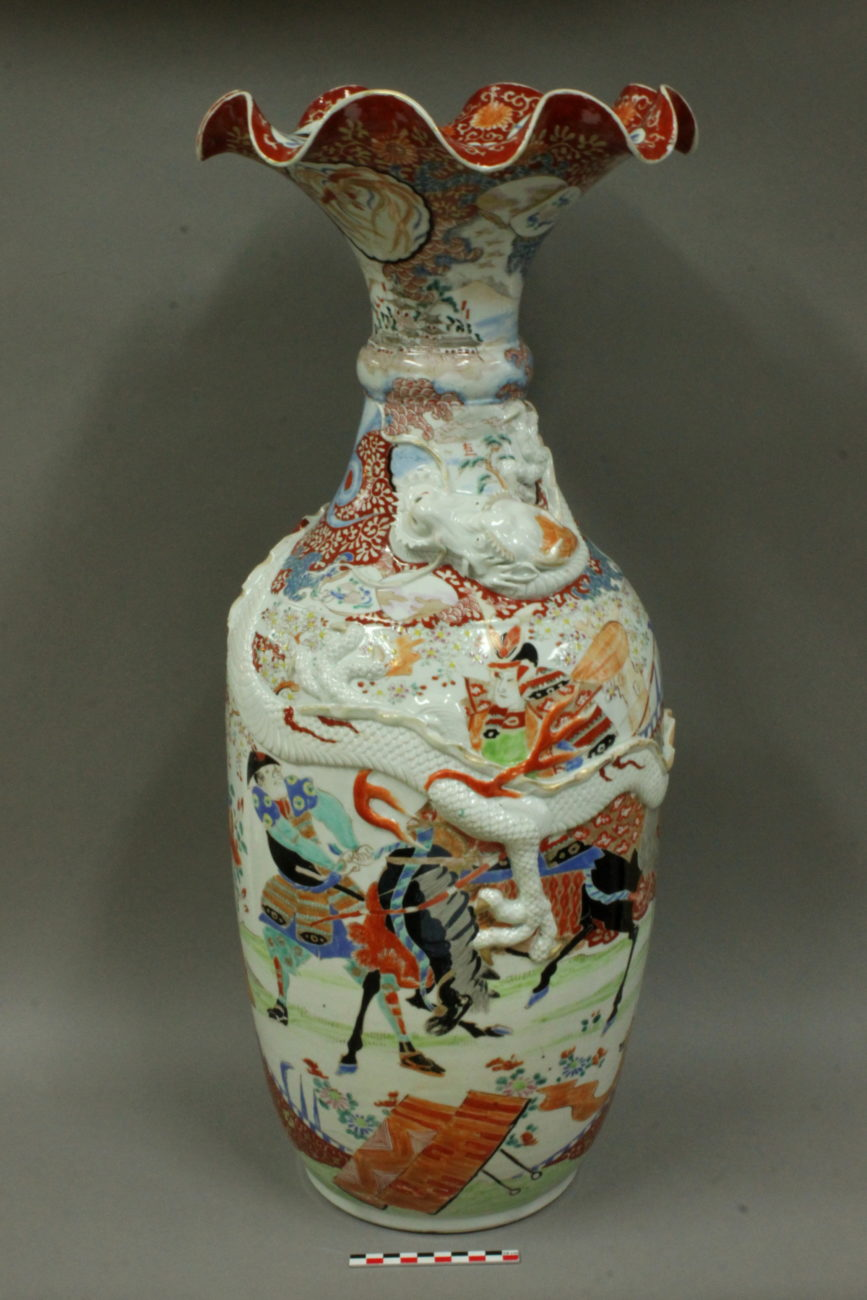 Restauration d'un vase au Dragon